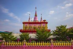 Tavee-kara anan Tempel mit Hintergrund des blauen Himmels Lizenzfreie Stockfotos