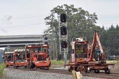 Tavels för en besättning för järnvägspår på en huvudsaklig linje fotografering för bildbyråer