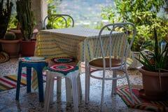 Taverna greco nello stile di eleganza di Boho fotografie stock libere da diritti