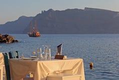 Taverna greco vicino al mare fotografie stock