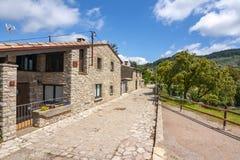 Tavertet dorp in de bergen van Catalonië dichtbij Barcelona, Spanje royalty-vrije stock afbeelding