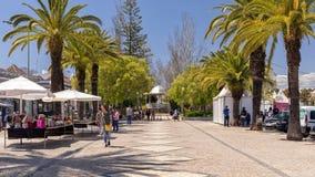 Tavira offentlig trädgård, Algarve, Portugal arkivfoto