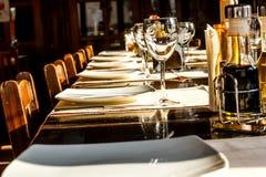 Tavola del ristorante Fotografie Stock Libere da Diritti