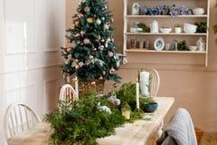 Tavola della festa di Natale con i rami della vigilia Fotografia Stock