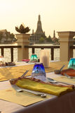 Tavola di cena sul fiume laterale, BAngkok/THAILAND Immagine Stock Libera da Diritti