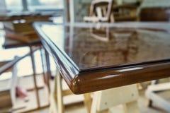 Tavola di legno lucidata Dettaglia la produzione del legno Fotografie Stock