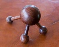 Tavola di legno rotonda con tre gambe Immagini Stock Libere da Diritti