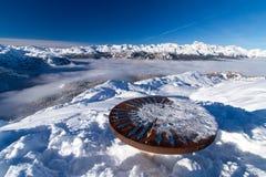 Tavola di orientamento sul pendio dello sci di Vogell in Slovenia Fotografie Stock