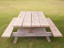 Tavola di picnic fotografia stock libera da diritti