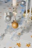 Tavola festiva decorata con le candele Immagine Stock
