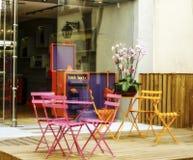 Tavola giallo/rosa/insieme della sedia Immagini Stock