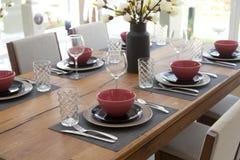 tavola installata per stanza dinning Fotografia Stock