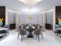 Tavola rotonda moderna nel ristorante dell'hotel, per quattro persone, con le sedie di cuoio e una tavola di legno servita Una ta illustrazione di stock