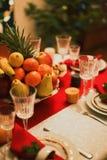 Tavola servita per il nuovo anno immagine stock