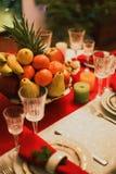Tavola servita per il nuovo anno fotografie stock