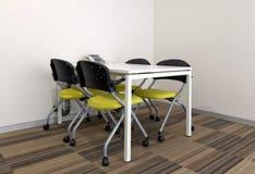 Tavolo di riunione quadrato con le sedie Fotografia Stock Libera da Diritti