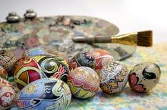 Tavolozza della spazzola delle uova di Pasqua Fotografia Stock