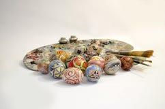 Tavolozza della spazzola delle uova di Pasqua Immagine Stock
