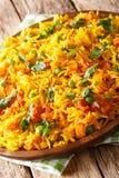 Tawa Pulao jest popularnym Mumbai ulicznym jedzeniem ryż z warzywami i pikantność w górę pionowo zdjęcie royalty free