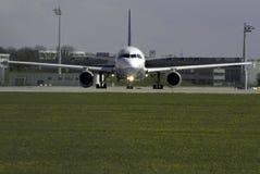 Taxando o avião Imagens de Stock Royalty Free