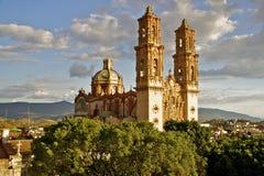 Taxco Kathedrale, Mexiko Stockbilder