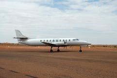 Taxiånd vliegtuig stock foto