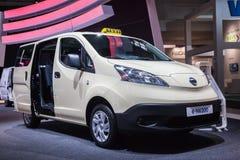 Taxi électrique de NISSAN e-NV200 Images libres de droits