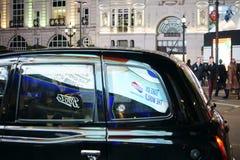 Taxi au cirque de Piccadilly Image stock