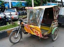 Taxi automatique de pousse-pousse dans Medan, Indonésie Image libre de droits