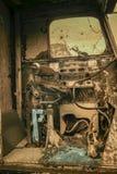 Taxi av gammalt tungt maskineri i infrared royaltyfri foto