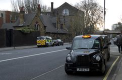 Black taxi cab in london Royalty Free Stock Photos