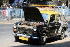 taxi cassé de mumbai Images libres de droits