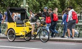 Taxi de bicyclette de Londres image stock