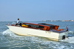 Taxi de l'eau à Venise, Italie Images stock