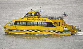 Taxi de l'eau de New York Images stock
