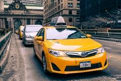 Taxi de NYC en Midtown Manhattan Fotografía de archivo