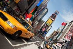 Taxi de NYC, Times Square Imagenes de archivo