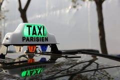 Taxi de París Imágenes de archivo libres de regalías