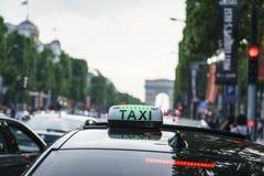 Taxi de París Foto de archivo libre de regalías