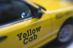 Taxi de taxi jaune Photos stock