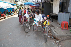 Taxi del risciò di ciclo, Rangoon, Myanmar fotografie stock