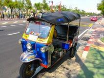 Taxi del tuk de Tuk para el pasajero en Bangkok, Tailandia Foto de archivo