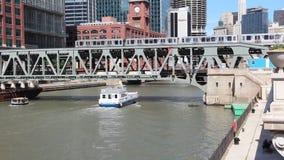 Taxi dell'acqua di Chicago stock footage