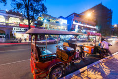 Taxi di Moto alla città asiatica Phnom Penh, Cambogia Fotografia Stock