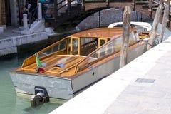 Taxi en Venecia Fotos de archivo libres de regalías