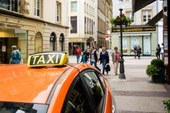 Taxi Europa Luxembourg Royaltyfria Foton