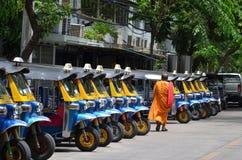 Taxi för trans.Tuk Tuk thai trehjuling arkivfoton