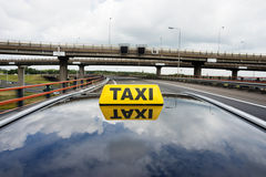Taxi on flyover Royalty Free Stock Photos