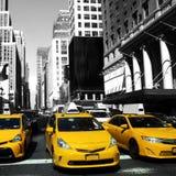 Taxi giallo a New York, via di Manhattan Fotografia Stock
