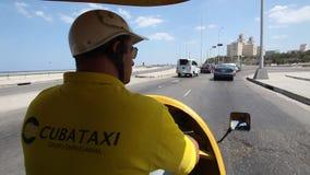 Taxi interior de los Cocos en La Habana